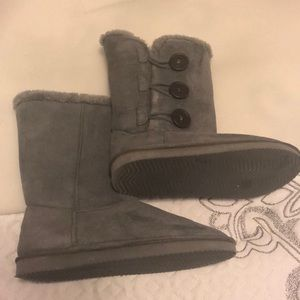 Shoes - Gray winter boots